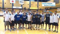 Unidos. Cuerpo Técnico y jugadores ya están en Japón con la cabeza en la gira. Foto: FUBB