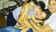 La familia Delménico a pleno celebrando el Día de la madre (@cfernandezok)