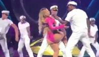 Mariah Carey en pleno show (captura)