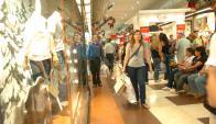Los shoppings han tenido un crecimiento de 0% en sus ventas. Foto: Archivo El País
