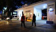 Familiares acuden por consultas de niños con sobredosis de calcio. Foto: M. Bonjour