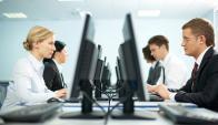 Las empresas recurren a software que controla lo que se tipea en la PC y monitorea el uso de apps y programas.