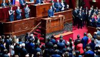 El presidente francés ayer en el palacio constituido por Luis XIV, al que llamaban Rey Sol. Foto: AFP