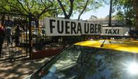 El taxi se manifestó en varios ocasiones para que Uber se fuera del país. Foto: F. Flores