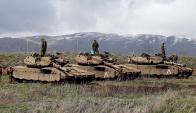 Tanques de Israel en las cercanías de la frontera con Siria. Foto: Reuters