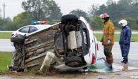 Siniestro: el auto volcó en Ruta Interbalnearia y su conductor murió. Foto: R. Figueredo