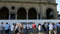 Pasajeros: decenas reclamaron ayer en la Estación Central. Foto: M. Bonjour