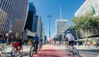 La emblemática Avenida Paulista, nervio de la gran metrópolis brasileña.