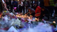 En la Iglesia Santa Ana, los habitantes de Manchester expresan su solidaridad. Foto: AFP