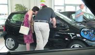 Mercado en baja. La venta de autos 0 km en Uruguay viene en caída. (Foto: AFP)