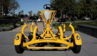 """""""Cycleplex"""". El vehículo es usado en Google; permite a sus tripulantes sesionar en un ambiente natural y de igualdad."""
