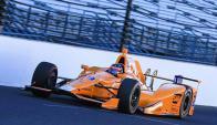 Fernando Alonso a bordo de su McLaren Andretti. Foto: EFE