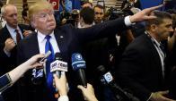 Donald Trump ante la prensa tras un debate el pasado jueves.. Foto: EFE.