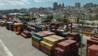 Firman portuarias enfrentadas. Foto: Archivo El País