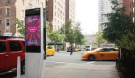 Uno de los teléfonos públicos transformados en punto Wi-Fi. (Foto: La Nación/GDA)