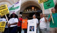 Protesta ayer frente al Trump Hotel. Foto: Reuters
