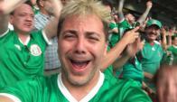 Cristian Castro entre los miles  mexicanos que alentaron a la selección verde