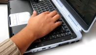 Tarjeta: para protegerla de fraudes se recomienda utilizar una prepaga. Foto: Archivo El País