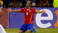Jorge Valdivia festeja luego de marcar. Foto: Reuters