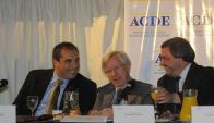 Equipo económico expuso ayer sobre la realidad de Uruguay. Foto: A. Colmegna
