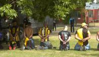 El clásico fue suspendido por incidentes entre la Policía e hinchas de Peñarol. Foto: Marcelo Bonjour
