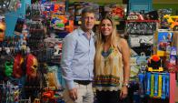 Socios. Schcolnik y su esposa Jacky Eliezer crearon la juguetería hace ocho años. (Foto: Fernando Ponzetto
