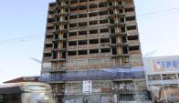 Un edificio de L.A de Herrera y AV. Italia que quedó abandonado hace años. Foto: D. Borrelli