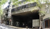 El edificio que compró Ancap en 2010 se encuentra en ruinas. Foto: F. Ponzetto