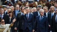Mauricio Macri junto a otros integrantes de su gabinete. Foto: AFP.