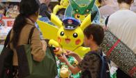 Productos de Pokémon a la venta en Japón. Foto: AFP.