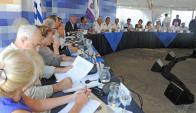 Vázquez dijo que crisis láctea es causada por el derrumbe de los precios internacionales. Foto: Presidencia