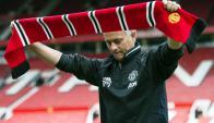 José Mourinho en su presentación en Old Trafford. Foto: AFP.