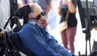 El físico Stephen Hawking a su llegada a la isla de Tenerife. Foto: EFE