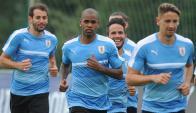 Incertidumbre. Stuani, Rolan y Ramírez cuentan con posibilidades de jugar. El primero es casi un hecho que será titular. Foto: Fernando Ponzetto