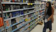 Consumo. Los precios bajos siguen guiando al comprador, dicen las empresas. (Foto: Archivo El País)