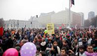 Decenas de miles de chilenos manifestaron contra las AFP. Foto: EFE