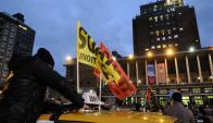 Sindicato del taxi y patronal han reclamado prohibición de Uber a IMM. Foto: F. Ponzetto