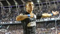 Carlos Núñez festejando su gol para Racing. Foto: Racing