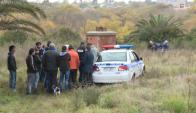 El cuerpo fue hallado bajo un árbol y ya estaba en estado de descomposición. Foto: Telenoche