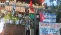 Embajada de Cuba en Montevideo tras la muerte de Fidel Castro. Foto: Ariel Colmegna.