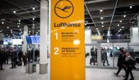 La aerolínea tuvo que cancelar 830 vuelos. Foto: AFP