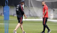 Vidal. Una molestia muscular lo tiene en duda para enfrentar mañana a Uruguay 20:30. Foto: EFE