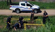 Policía Científica logro encontrar restos de vestimenta femenina. Foto: F. Ponzetto