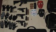 Armas y objetos incautados en operativo policial en Maldonado. Foto: Ministerio del Interior
