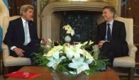 John Kerry junto con Mauricio Macri. Foto: Twitter @mauriciomacri