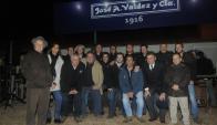 Parte del equipo de Valdez en el stand de la Expo Prado. Foto: Ariel Colmegna.