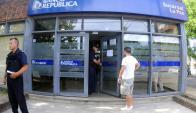 Siete rapiñeros se llevaron US$ 15.000 de la recaudación. Foto: F. Ponzetto