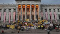 Algunos grupos se siguen resistiendo a la ley. Foto: Archivo El País