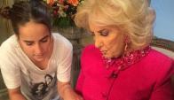 Ámbar de Benedictis escucha consejos de su bisabuela