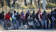 Inmigrantes. La mayoría de los que llegan a las costas italianas por el mar Mediterráneo provienen de África Occidental vía Libia. Foto: AFP.